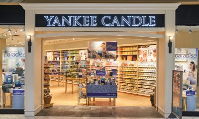 The front of the Yankee Candle store